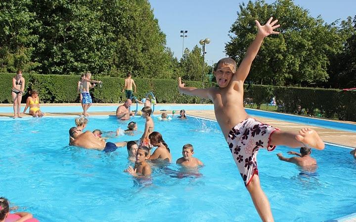 pécs fürdő, pécsi fürdő, baranyai fürdők, nyári tábor, nyári táborok, sportnapközi, sportnapközik, nyári tábor pécs, pécsi nyári tábor